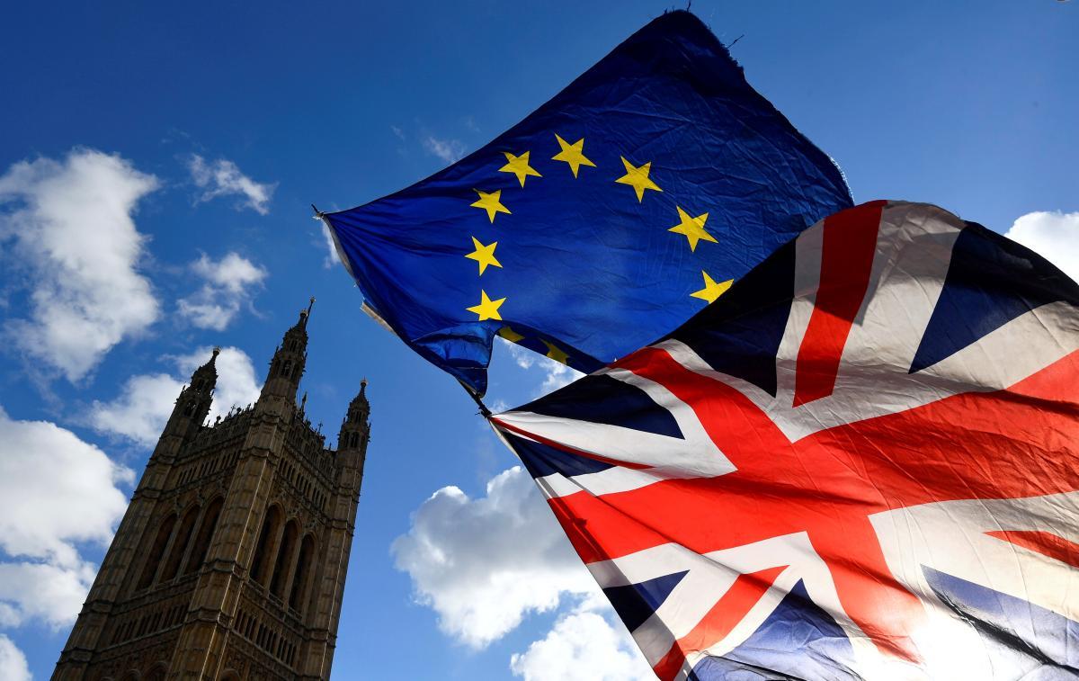 Британці стурбовані потенційними обмеженнями можливостей свого паспорта / Фото REUTERS