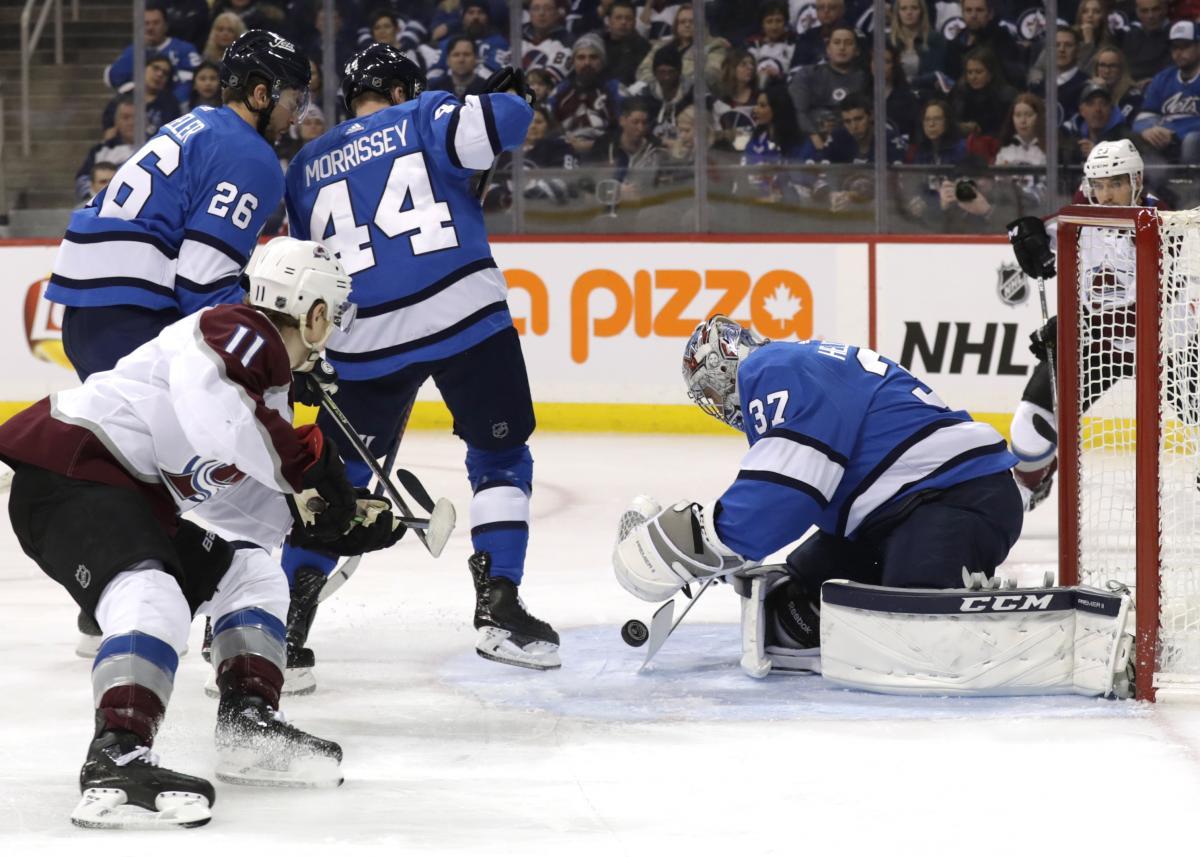 Хокеїсти Колорадо закинули 4 шайби у ворота Вінніпега / Reuters