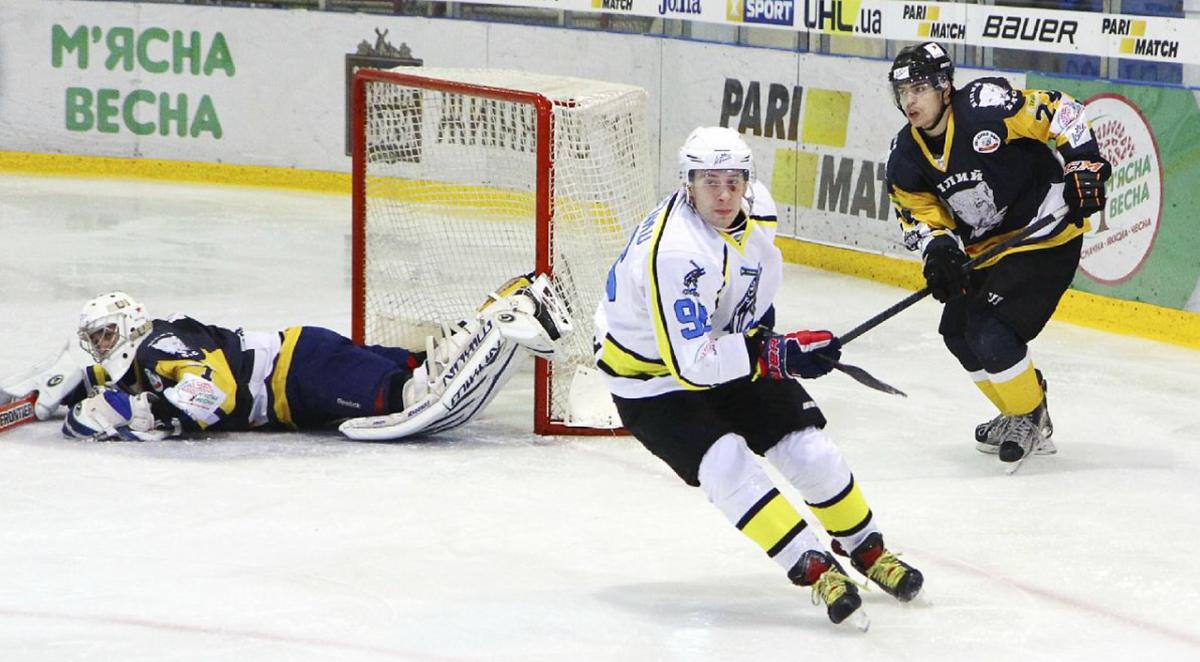 Дніпро обіграв Білий Брас в матчі з 11 голами / uhl.ua