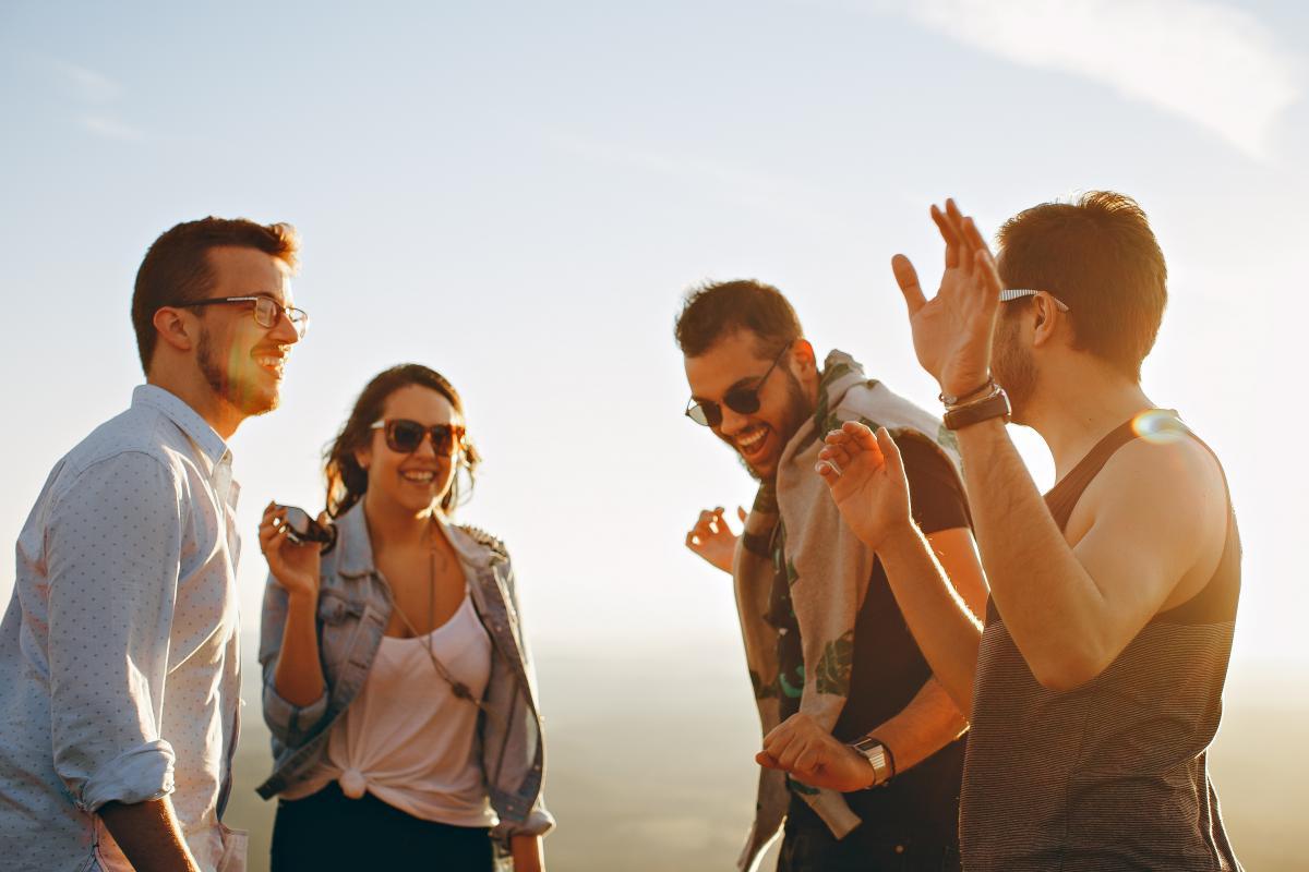 Испанцев редко можно увидеть без настроения / Фото pexels.com