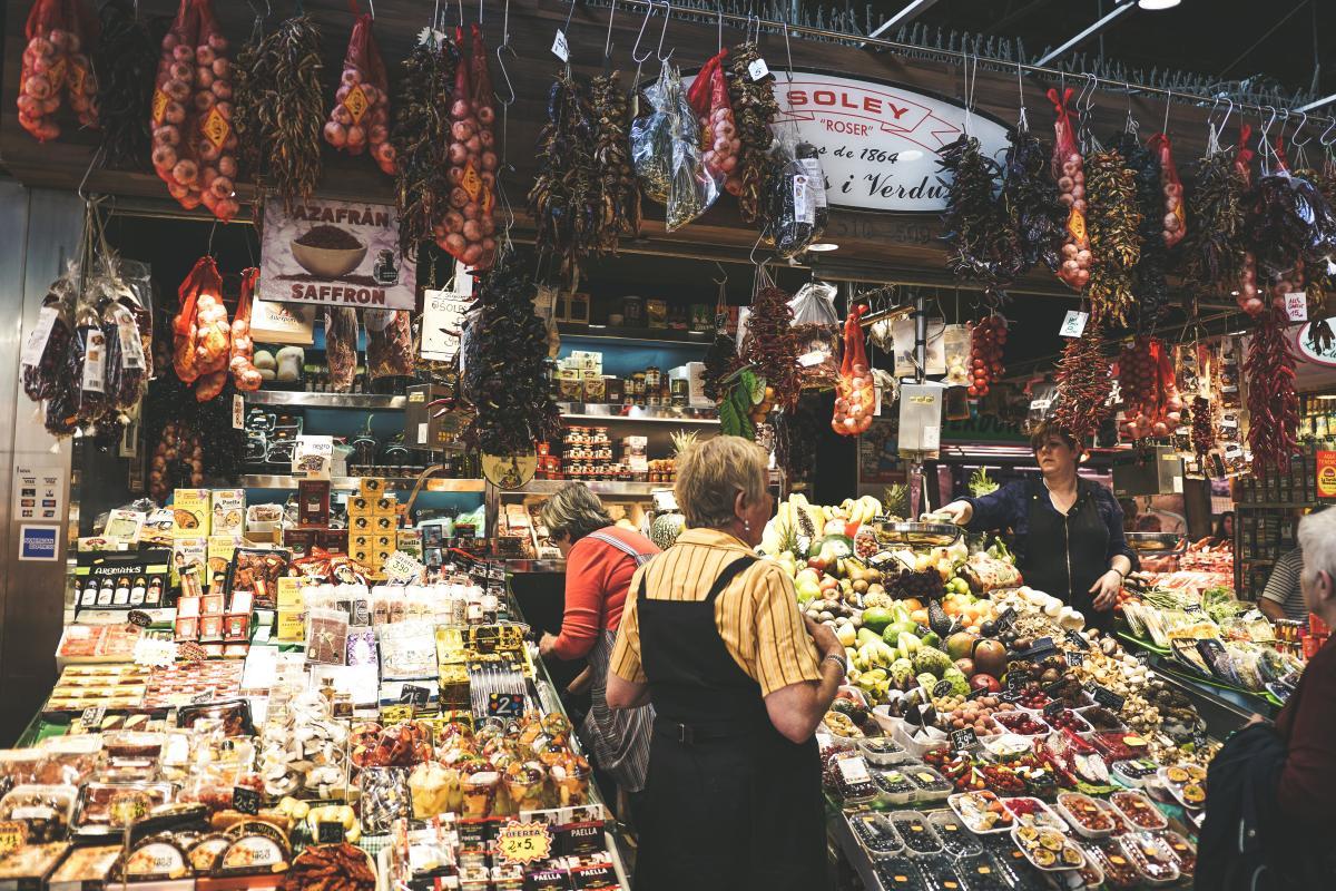 Не удивляйтесь, если на рынке в Испании вас назовут «гуапа» / Фото unsplash.com