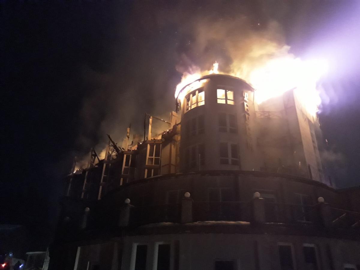 Площадь пожара составила 1 тысячу квадратных метров / фото пресс-служба ГСЧС