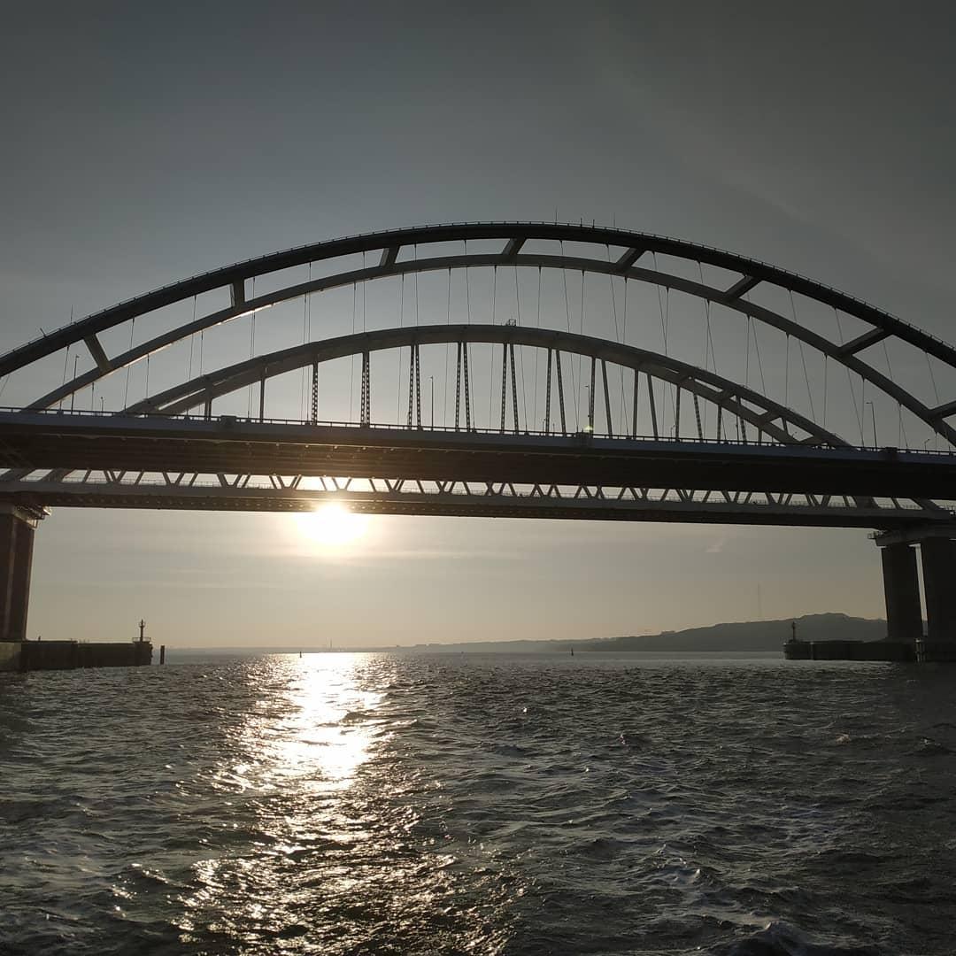 Кримський міст знову висміяли / фото twitter.com/KrimRt