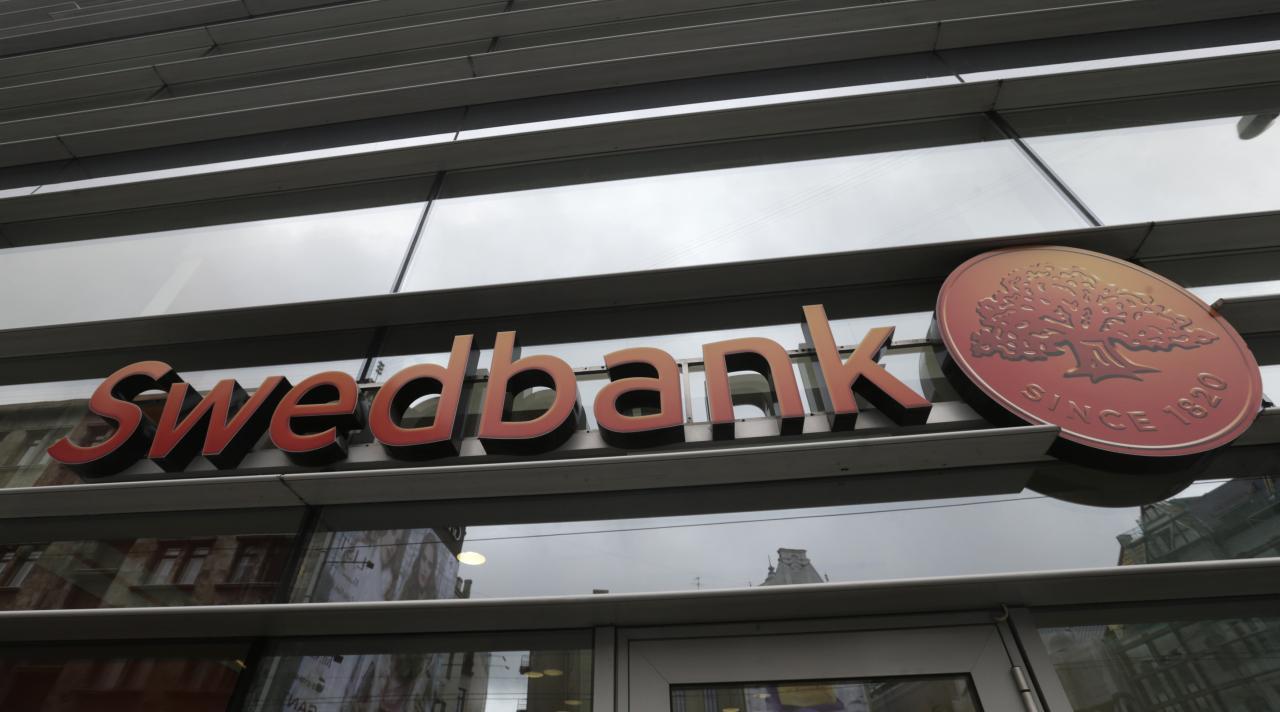 Руководитель  Swedbank отправлена вотставку нафоне скандала сотмыванием денежных средств