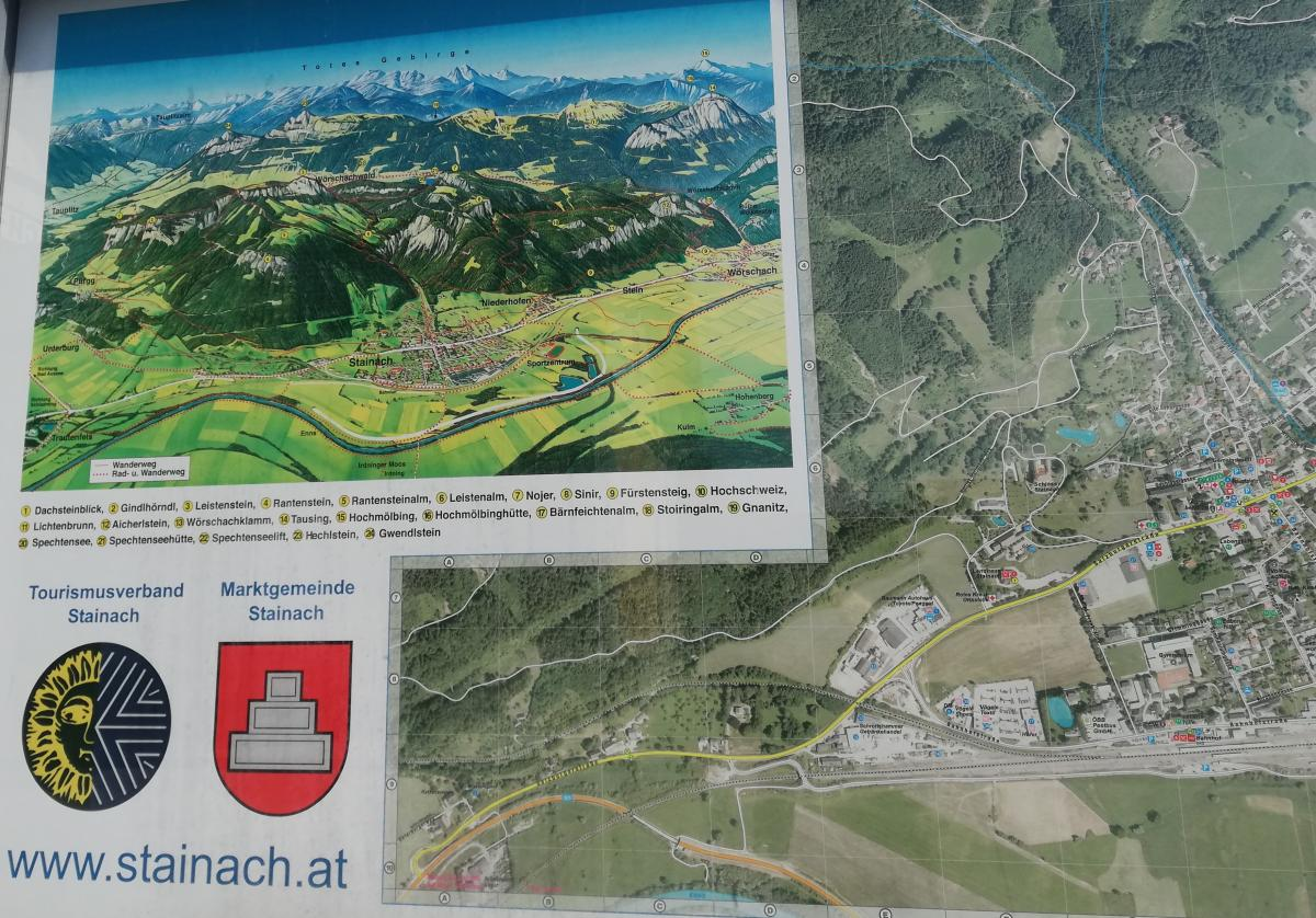 Туристический маршрут по горам около Штайнаха висит прямо на вокзале / Фото Марина Григоренко