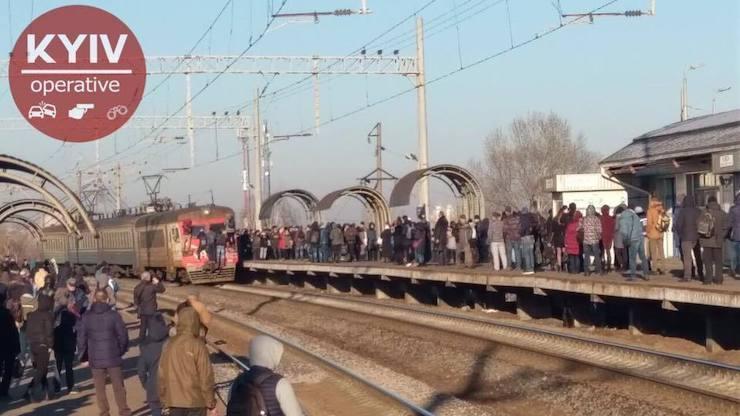 """""""Киевпасстранс"""" утверждает, что им не хватает поездов для электрички / фото Киев Оперативный"""