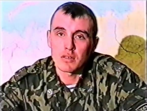 Стоп-кадр з інтерв'ю капітана ВДВ Дениса Сергєєва. Розслідувачі Bellingcat вважають, що саме ця людина згодом стане офіцером ГРУ і візьме псевдонім Сергій Федотов / фото theins.ru
