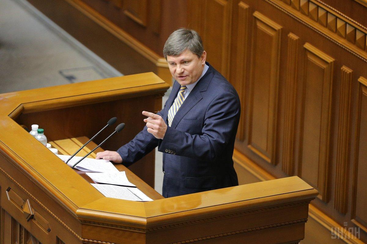 Герасимов считает, что все документы относительно контрабанды запчастей должны быть переданы в правоохранительные органы / фото УНИАН