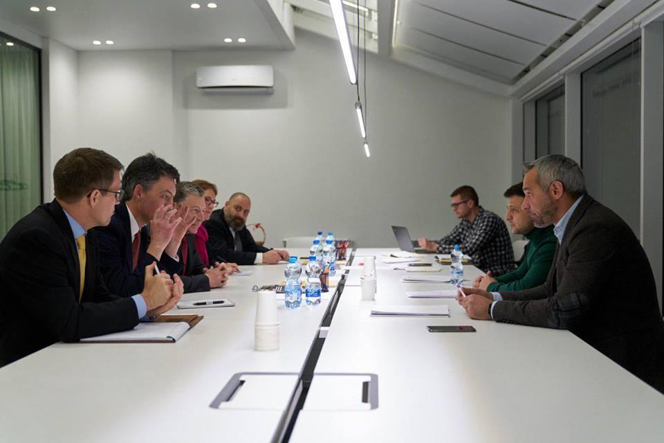 Зеленский провел встречу со спецпредставителем Госдепа США по Украине / facebook.com/ze2019official/