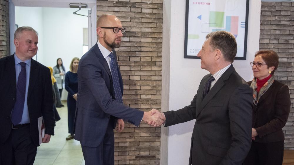 Яценюк встретился с Волкером / фото nfront.org.ua