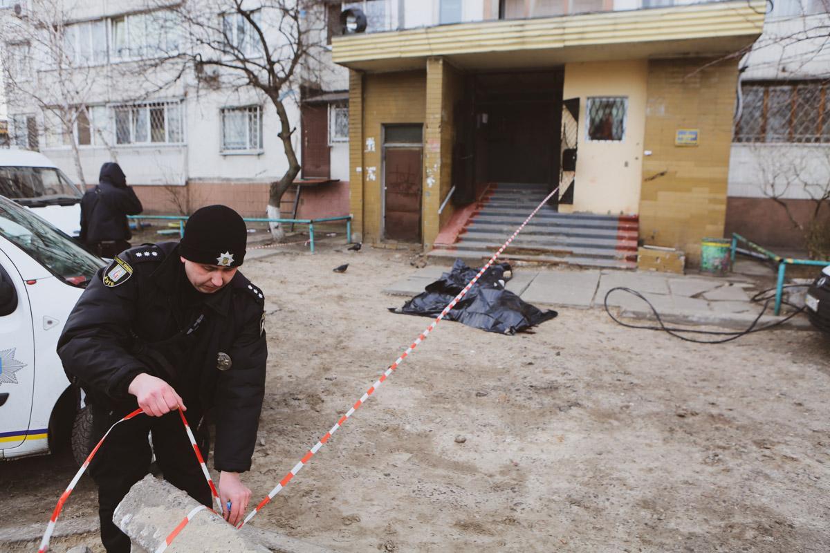 Нацгвардеец разбился, выпав из окна киевской многоэтажки / фото Бернт Ван Донген / Информатор