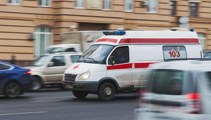 """Вооруженная клюшкой женщина напала на скорую в Казани / Фото: """"Газета.ru"""""""
