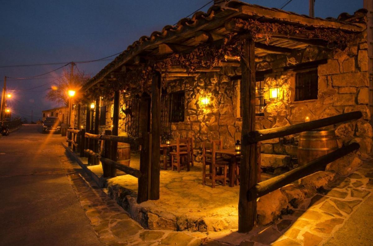 Уютная атмосфера ресторана La Cueva del Lobo / Фото tripadvisor.es