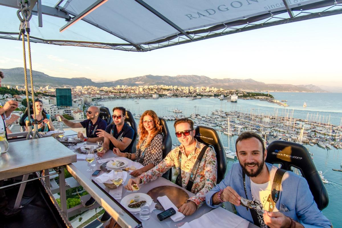 Ресторан в небе / Фото dinnerinthesky.com