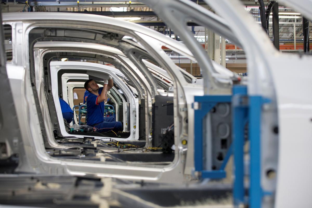 Автомобілі Renault тепер збиратимуть у Запоріжжі / REUTERS