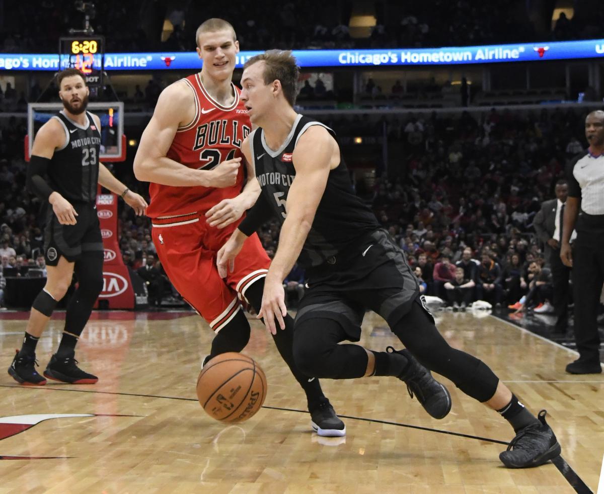 Детройт обыграл Чикаго в матче регулярного чемпионата НБА / Reuters