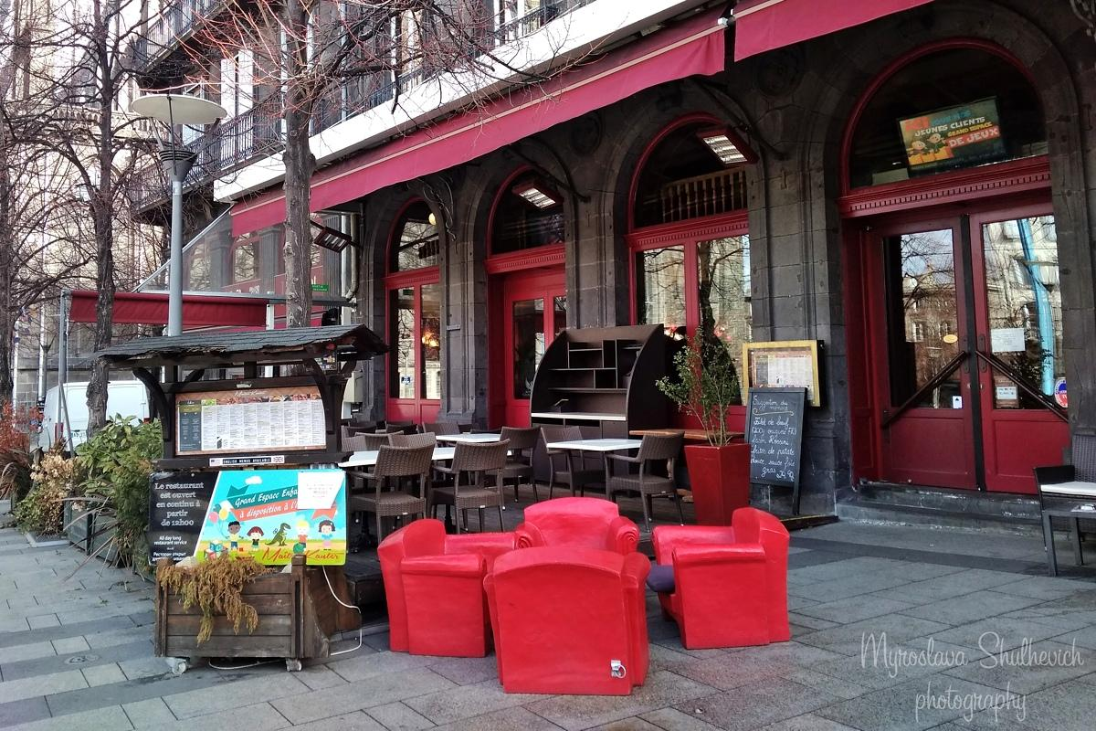 У ресторанах Клермона можна спробувати традиційні місцеві страви / фото Myroslava Shulhevich