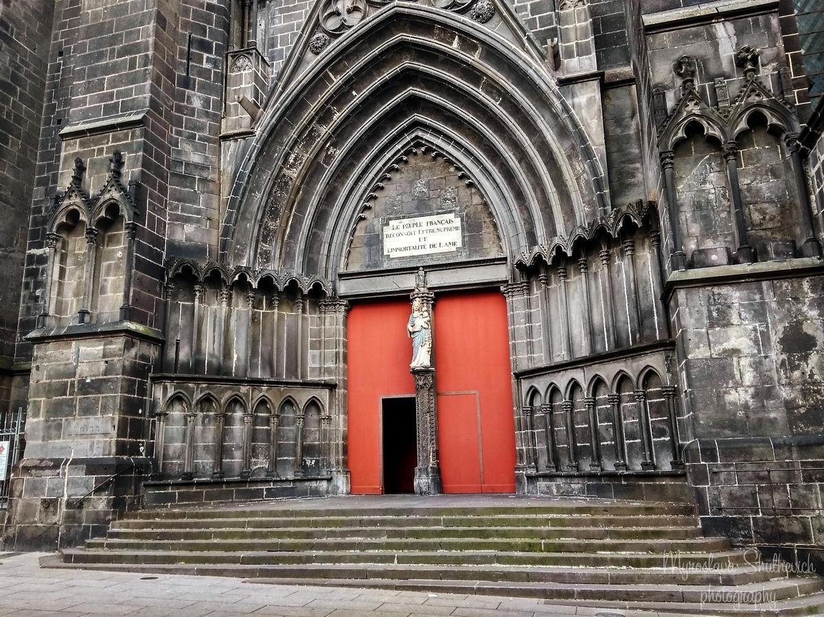 Готичний Кафедральний собор / фото Myroslava Shulhevich