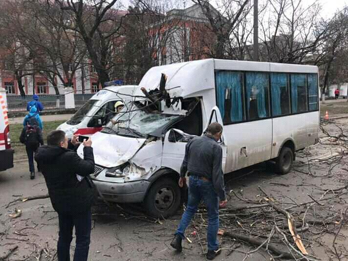 В результаті ДТП постраждали три людини / фото: група в Facebook Миколаїв оперативний