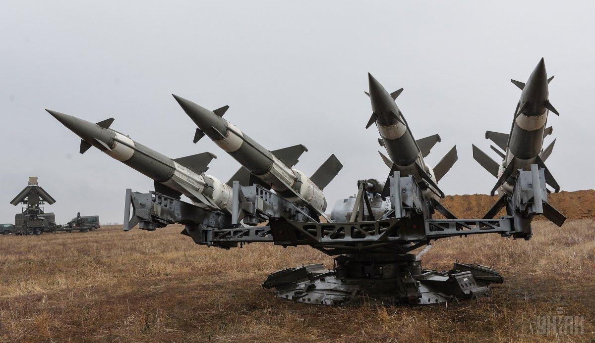 Порошенко заявил, что Украине нужно высокоточное ракетное оружие повышенного радиуса действия \ УНИАН