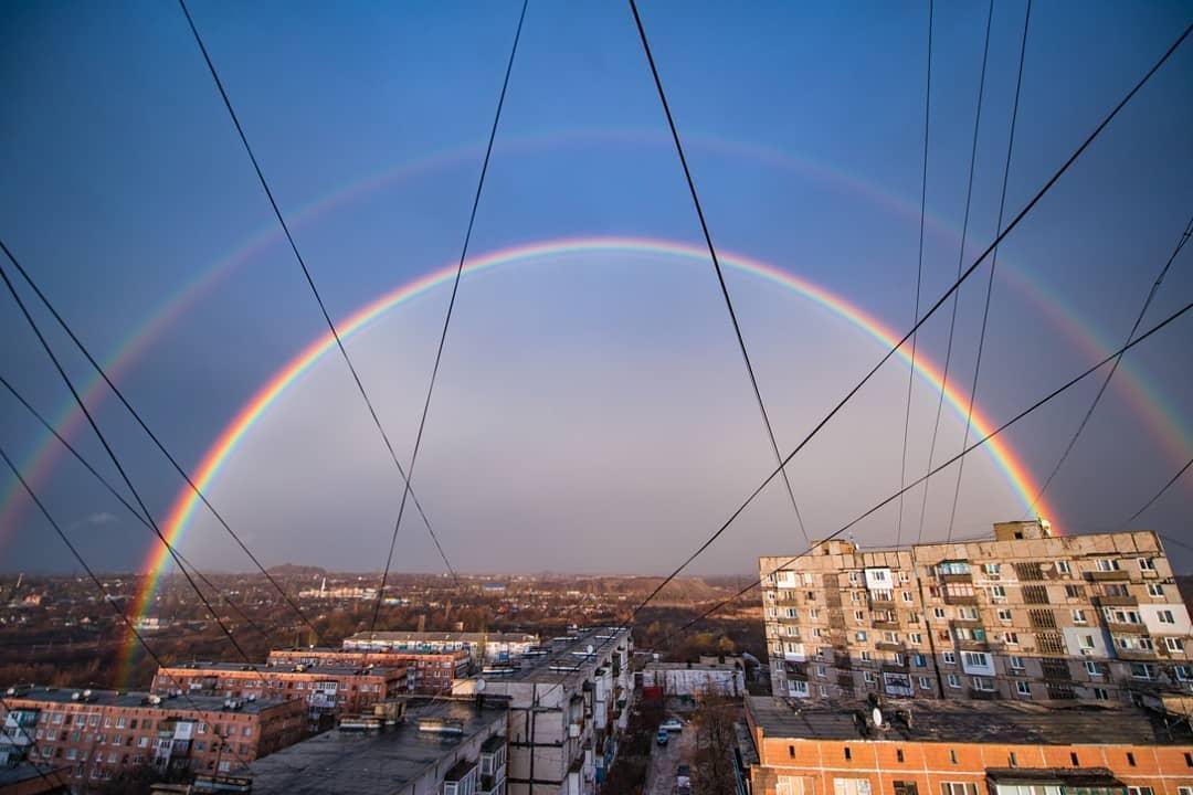 Двойная радуга в Донецке / www.instagram.com/lesiksokolova