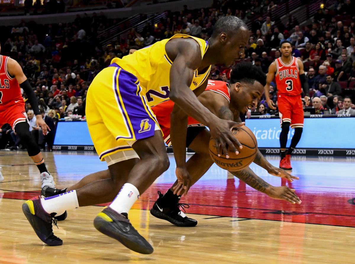 Лейкерс обіграли Буллз в центральному матчі дня в НБА / Reuters