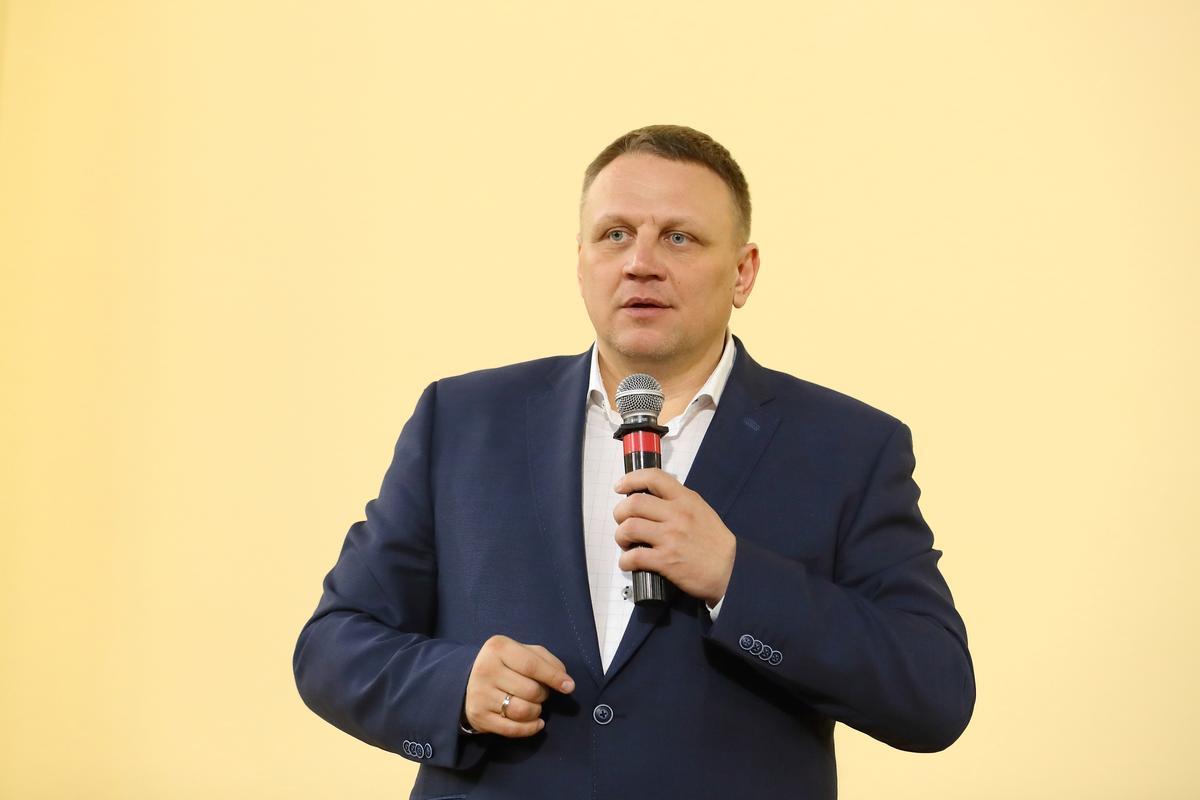 Власть грабит украинцев на строительстве и обслуживании дорог – Александр Шевченко