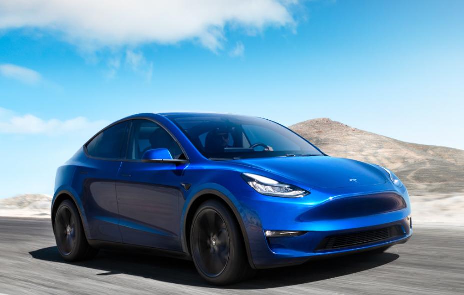 Tesla показала новый электромобиль / Twitter - Tesla