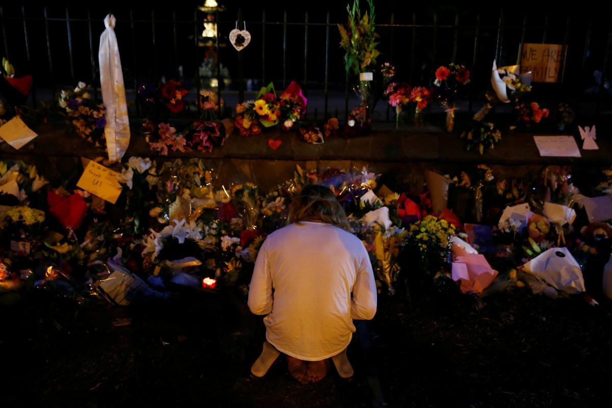 новая зеландия теракт Picture: город Крайстчерч устелили цветами