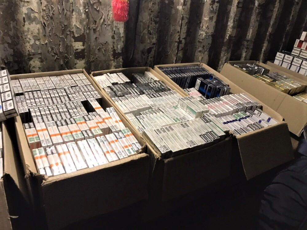 На Сумщине обнаружены и изъяты21 тысяча пачек контрабандных сигарет / фото УНИАН