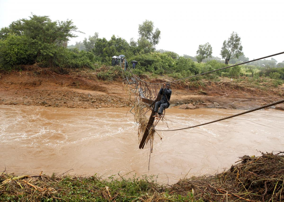 Наводнение в Зимбабве / REUTERS