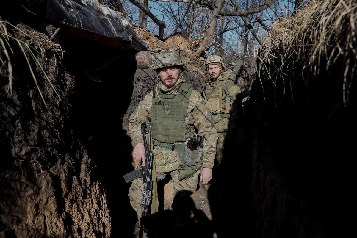 В день выборов президента украинские военные были вынуждены отвечать на вражеские провокации / REUTERS