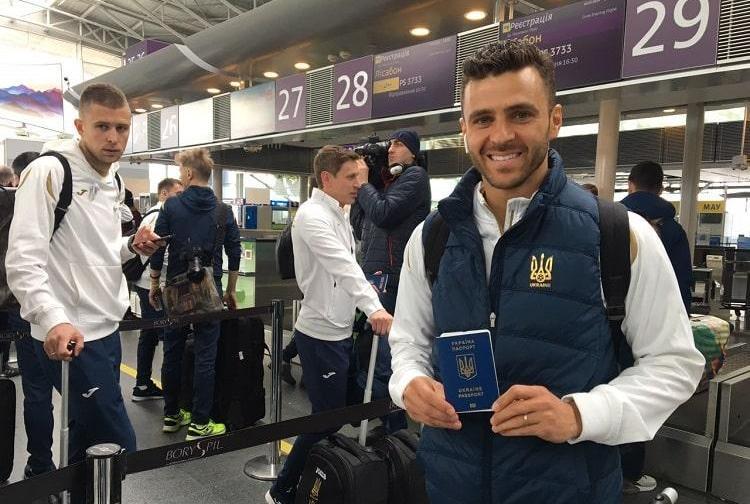 Жуниор Мораес впервые продемонстрировал украинский паспорт / ffu.org.ua