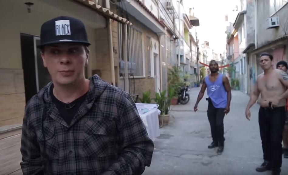 Сеть взорвал ролик с нападением на Комарова / Скриншот - Youtube, ACTOR FIGHT
