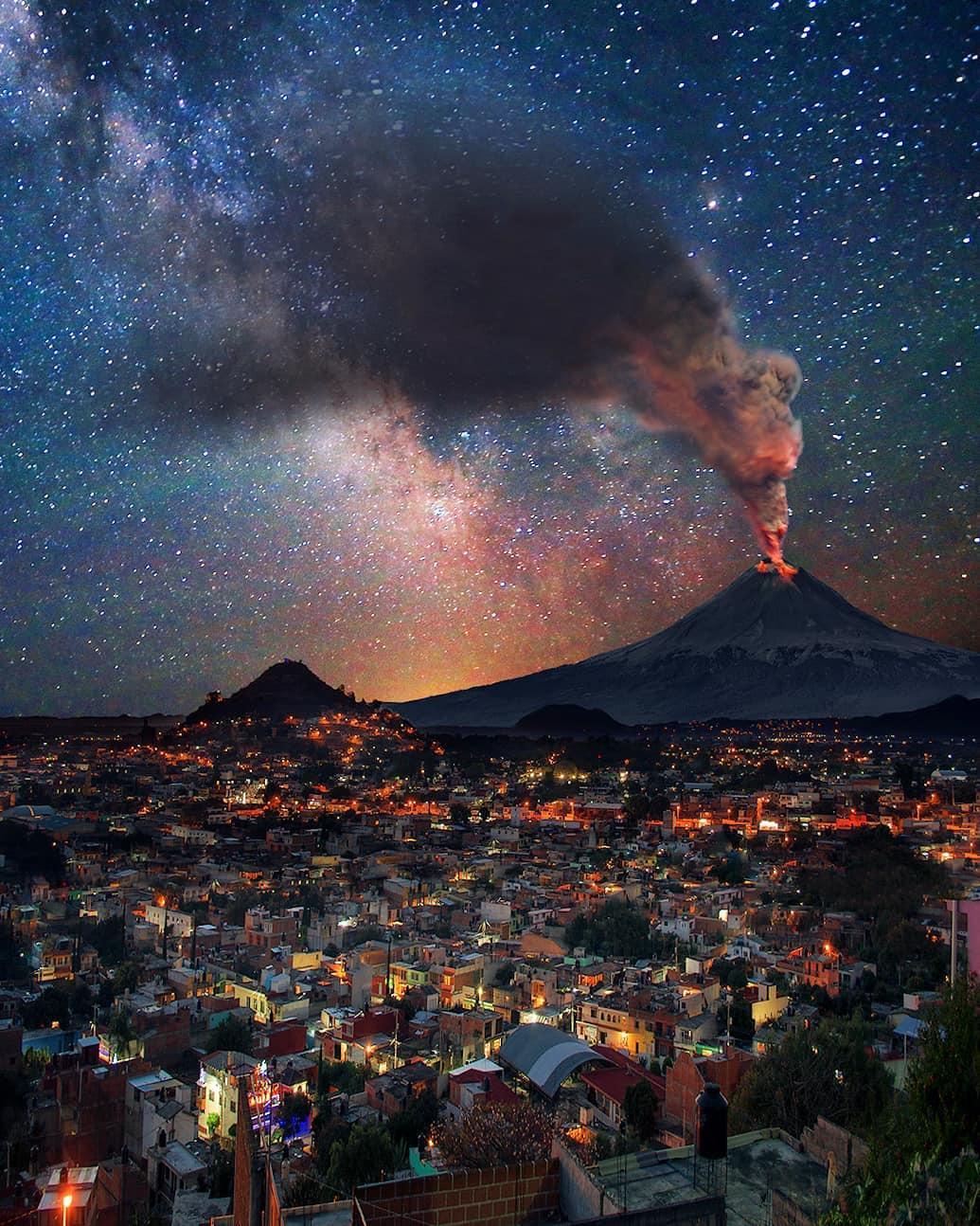Извержение вулкана в Мексике / www.instagram.com/_israelphotography_/