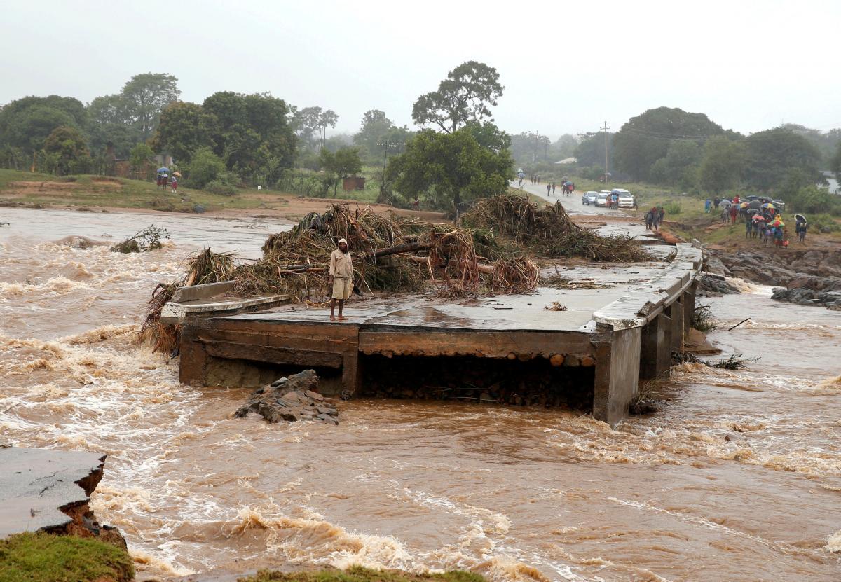 Последствия циклона в Зимбабве / REUTERS