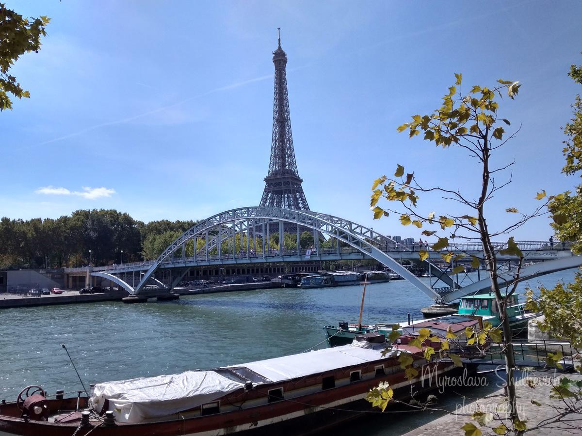 Ейфелева вежа - символ Франції / фото Myroslava Shulhevich