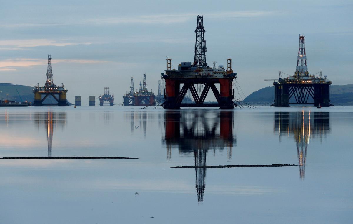 Нефть за два дня подешевела сразу на 10% / REUTERS