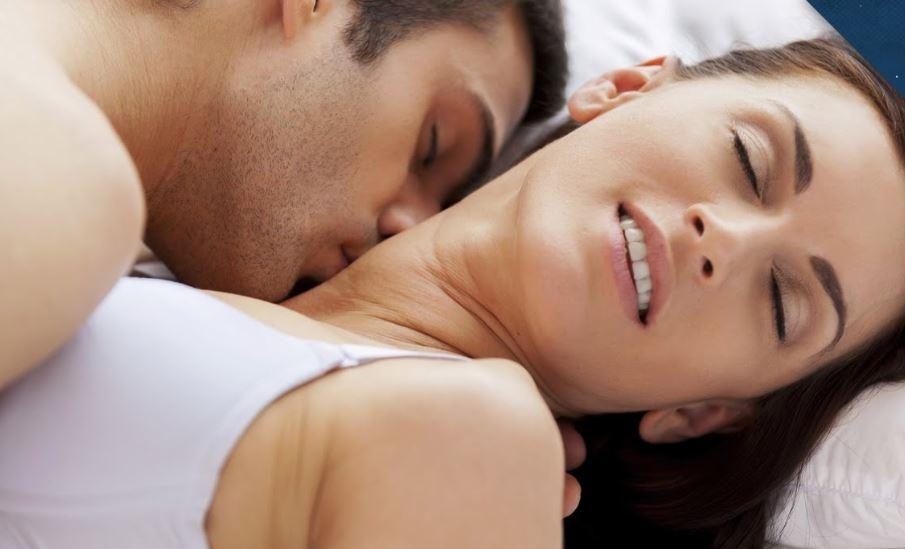Ученые рассказали, какую продолжительность полового акта женщины считают самой приемлемой / Скриншот