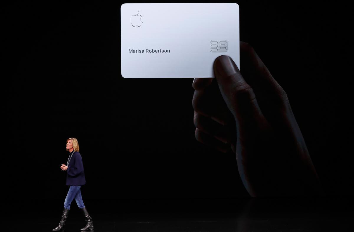 Apple Card / REUTERS