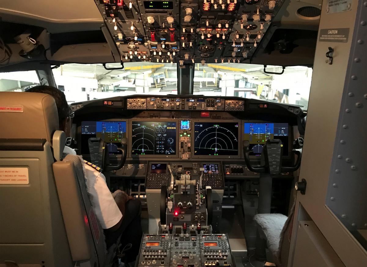 Кокпит лайнера Boeing 737 MAX 8 / REUTERS