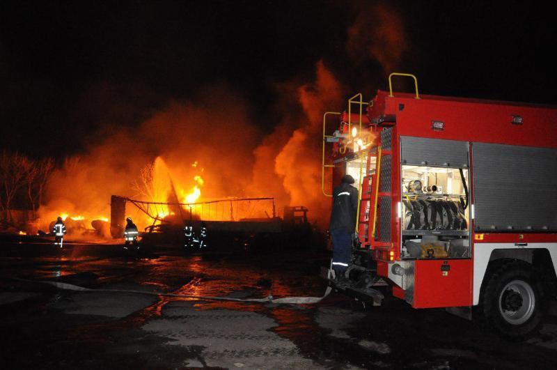 В результате пожара пострадали четыре человека / фото ГСЧС