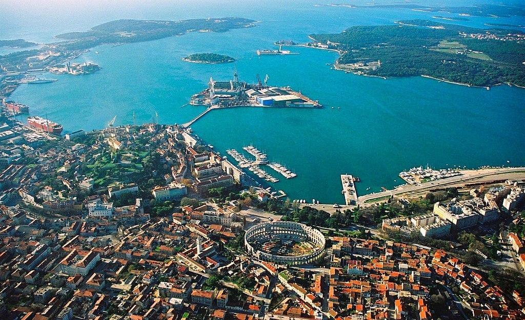 Хорватский город Пула станет доступенукраинским туристам / Фото en.wikipedia.org/Orlovic