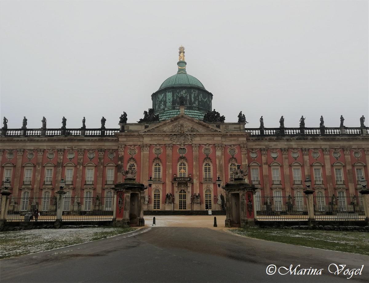 Вход в Новый дворец в Сансуси / Фото Марина Григоренко
