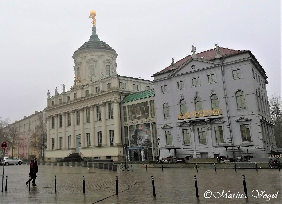Потсдамский музей - Старая ратуша и Чесночный домик / Фото Марина Григоренко