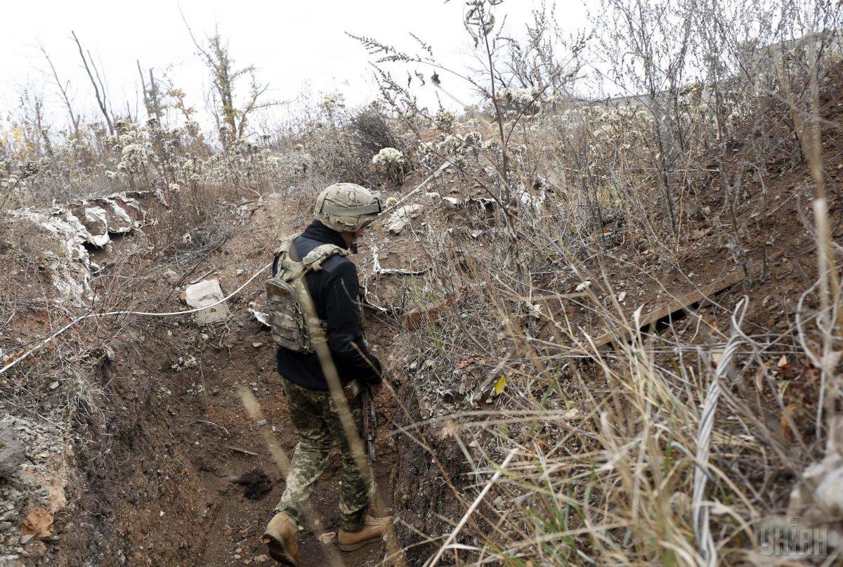 За сутки оккупанты на Донбассе ранили двух украинских военных / фото УНИАН