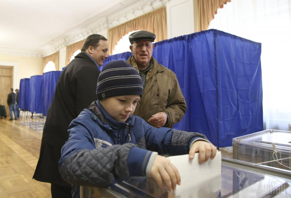 Ukrainians are actively voting for a new president / Photo from UNIAN