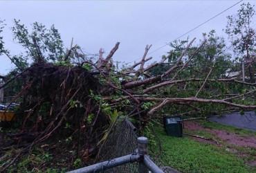 Два тропічних циклони насуваються на Австралію (відео)