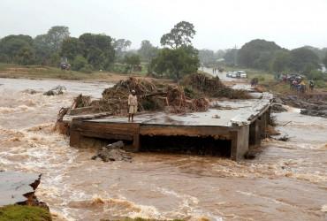 """Число жертв тропічного циклону """"Ідай"""" в Зімбабве збільшилося до 139 осіб"""