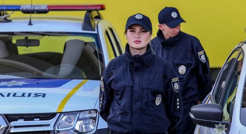 """""""Скеруйте дві високі Поліни"""": у Львові чоловік викликав поліцію через нібито відмову дружини займатися сексом"""